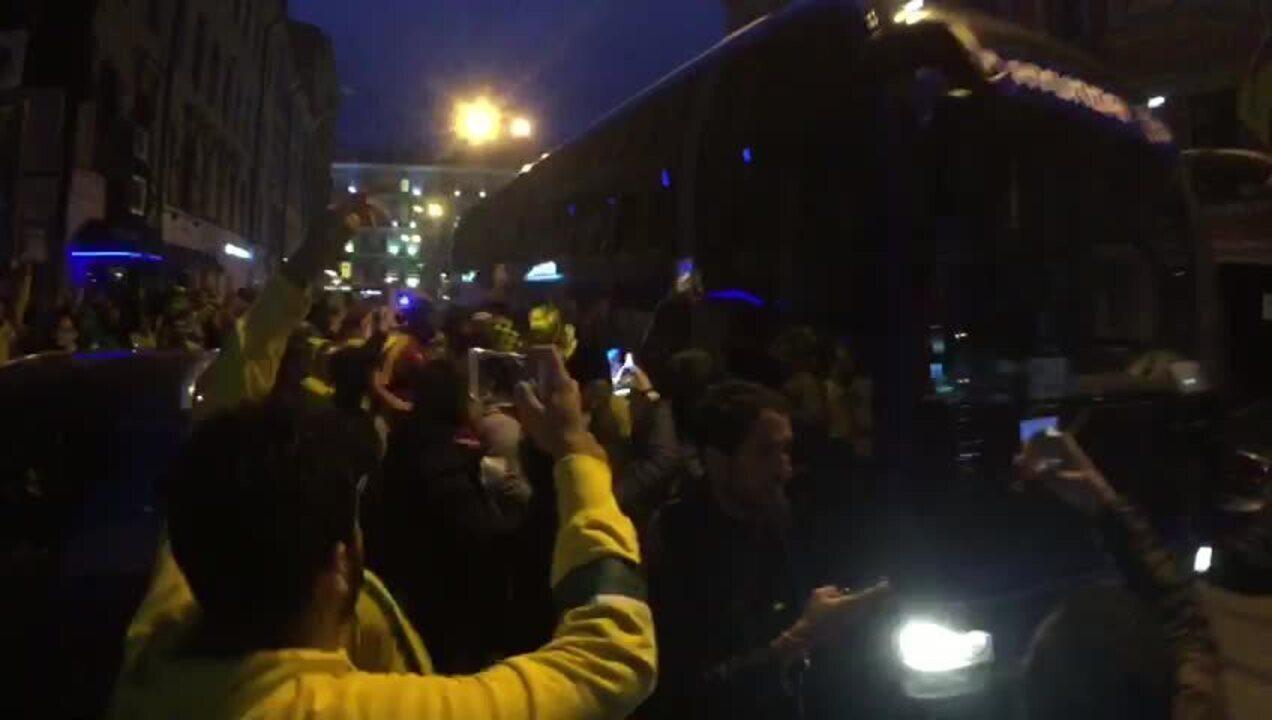 O clima da chegada da Seleção ao hotel em São Petersburgo