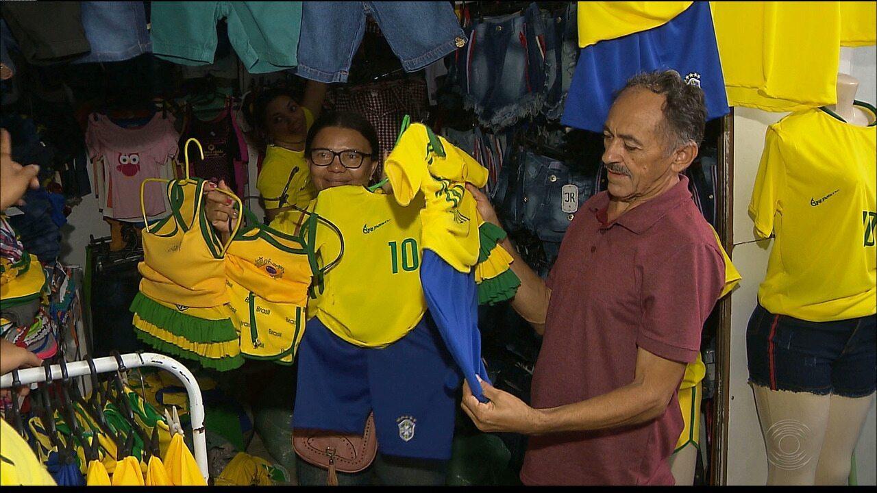 #PartiuRússia: paraibanos vão às compras para se vestir de verde e amarelo