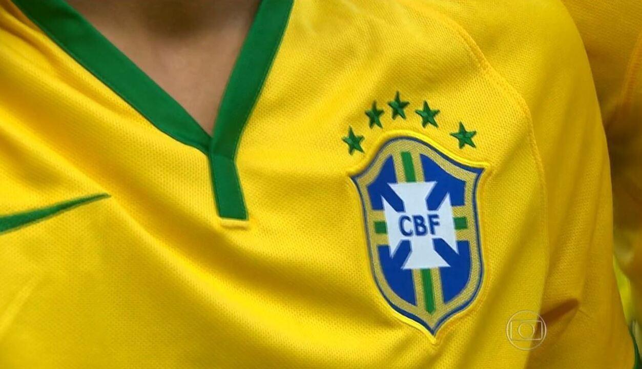 Apelido da Seleção Brasileira veio de ave de canto melódico e porte ... e9d9c164425ee