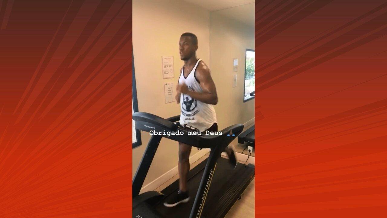 Folga? Atacante Ribamar divulga vídeo de treino na academia
