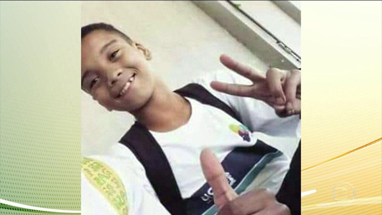 Polícia vai fazer reconstituição para saber de onde partiu tiro que matou Marcos Vinícius