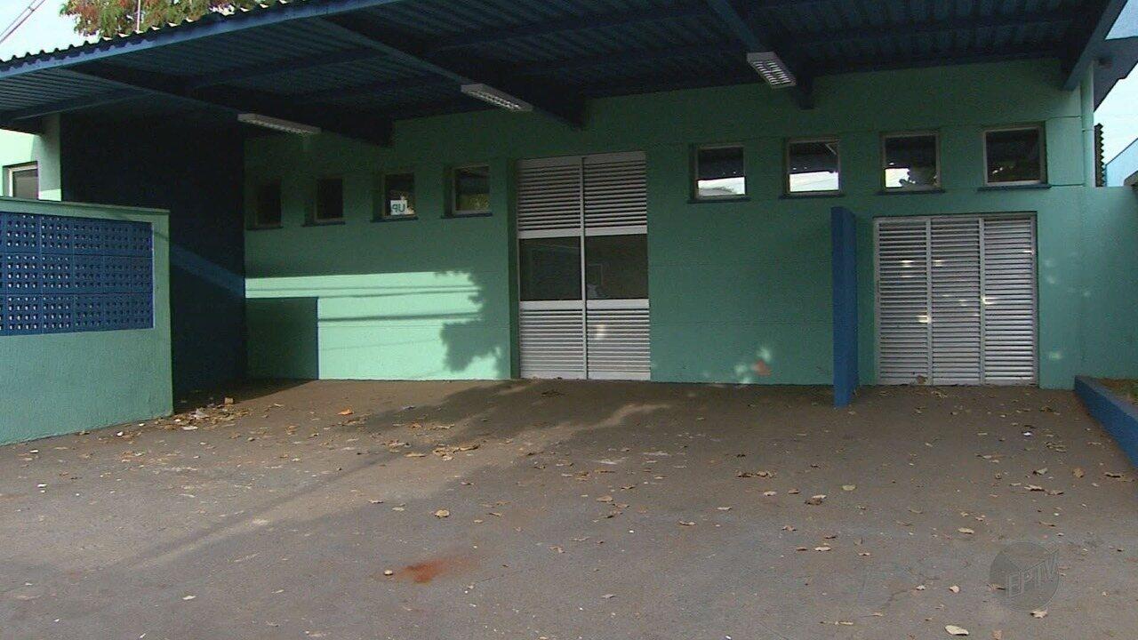 Moradores aguardam funcionamento da UPA no bairro Sumarezinho, em Ribeirão Preto, SP