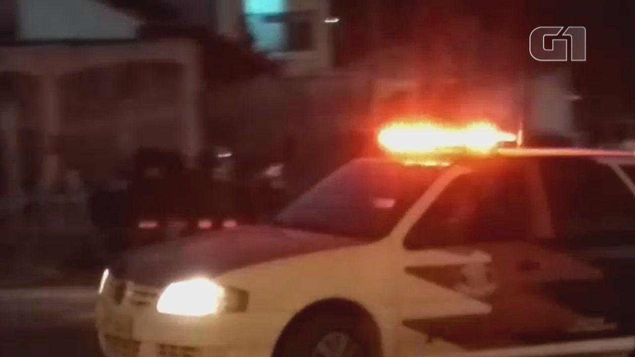 Caso Vitória: suspeito é levado para depor em delegacia de Mairinque