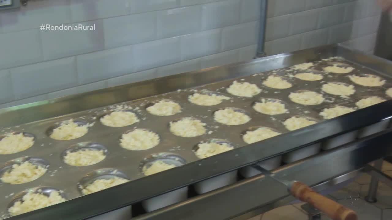 Fabricação de queijo artesanal recheado ajuda na renda de família de Cacoal