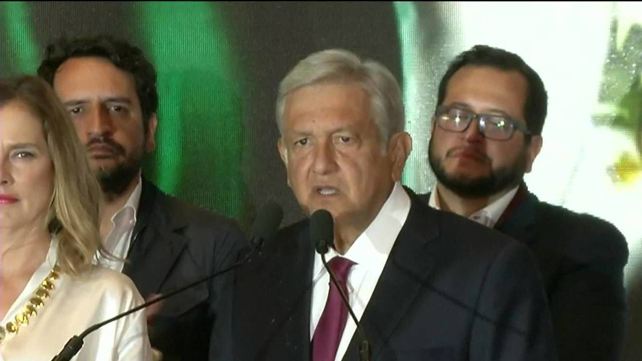 Candidato da esquerda, López Obrador vence votação no México com folga