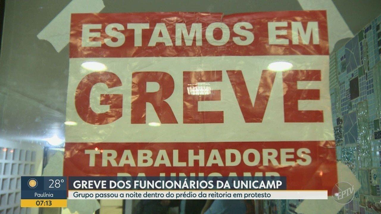 Em greve, funcionários ocupam a reitoria da Unicamp