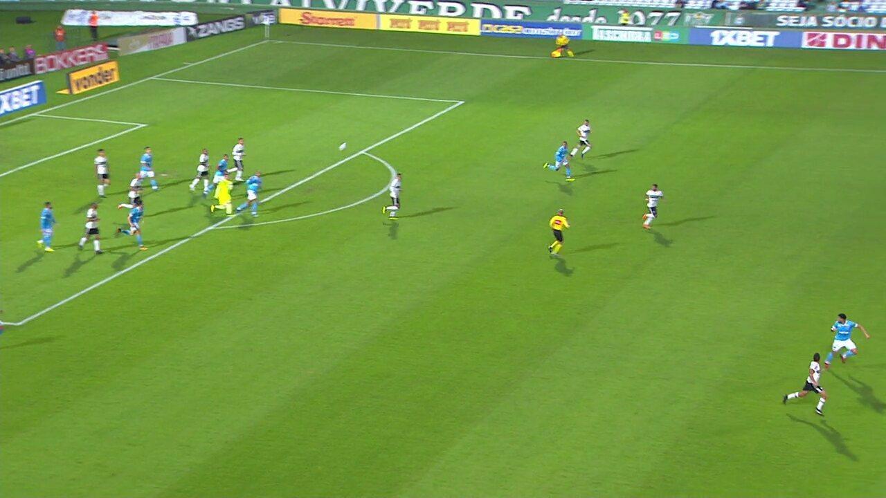 Veja o lançamento de Wilson, que resultou no gol marcado por Guilherme Parede no Coritiba