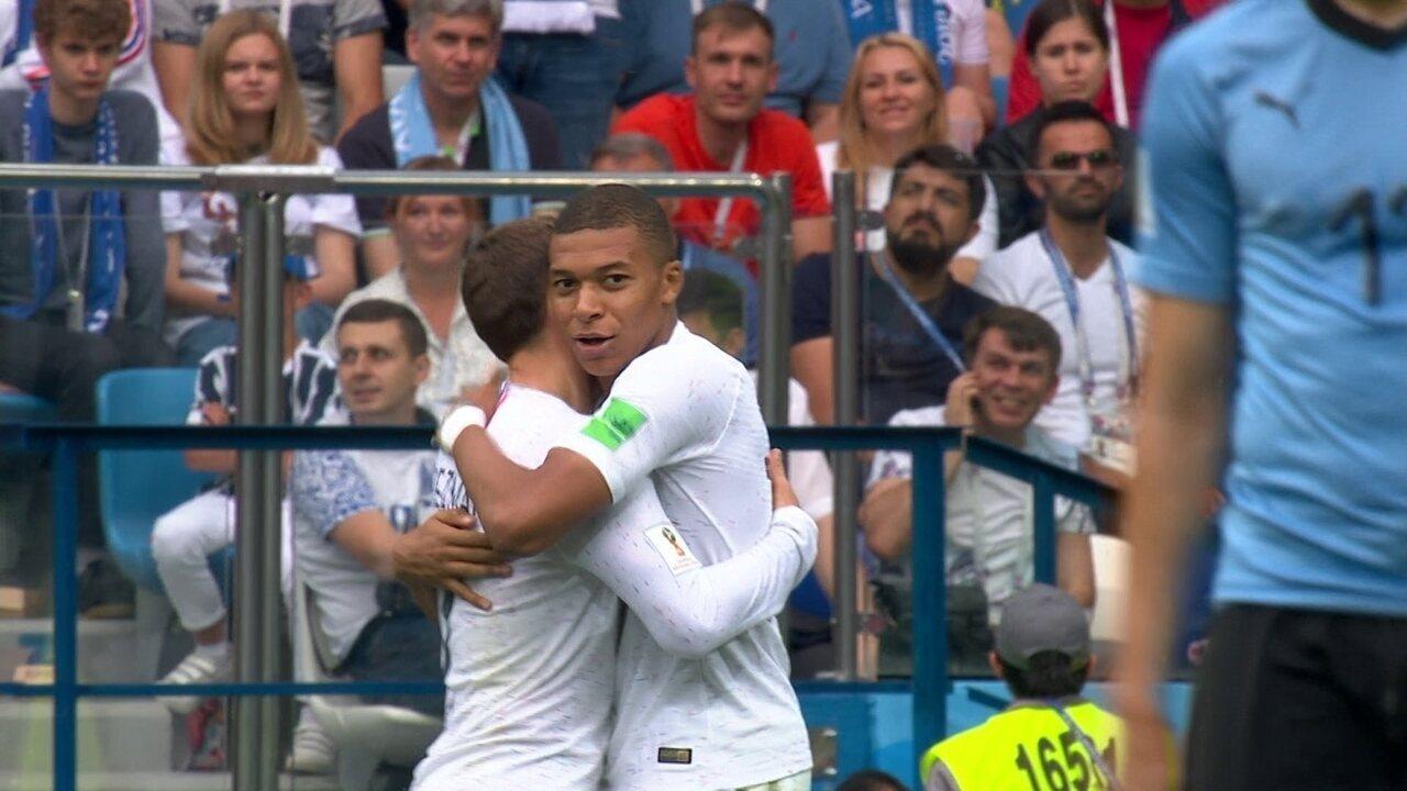Gol da França! Ah Muslera! Griezmann chuta e goleirão aceita aos 15 do 2º tempo