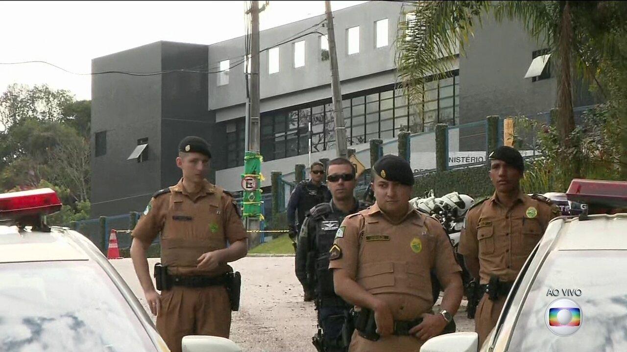 Plantão: Desembargador Gebran Neto decide manter Lula preso