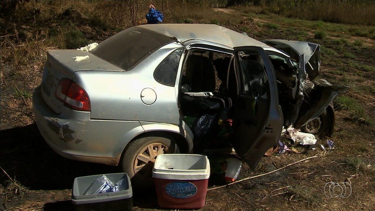 Homem, grávida e três crianças morrem em acidente na BR-080, em Padre Bernardo