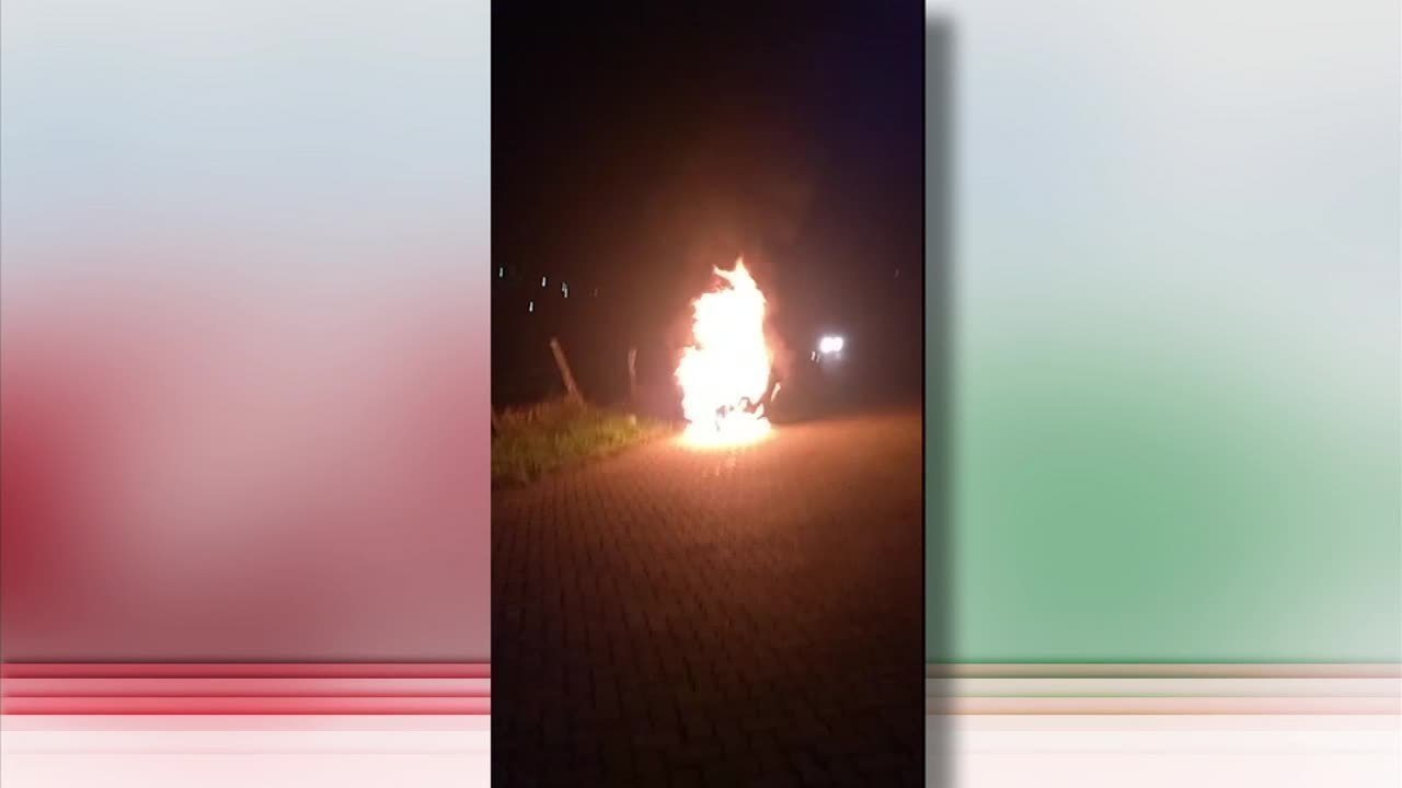 Carro pega fogo próximo a estação de trem de Lídice, em Rio Claro, RJ