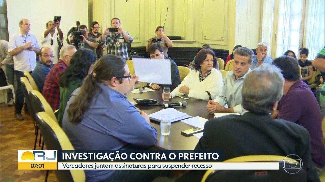 Três pedidos de impeachment contra Crivella são protocolados