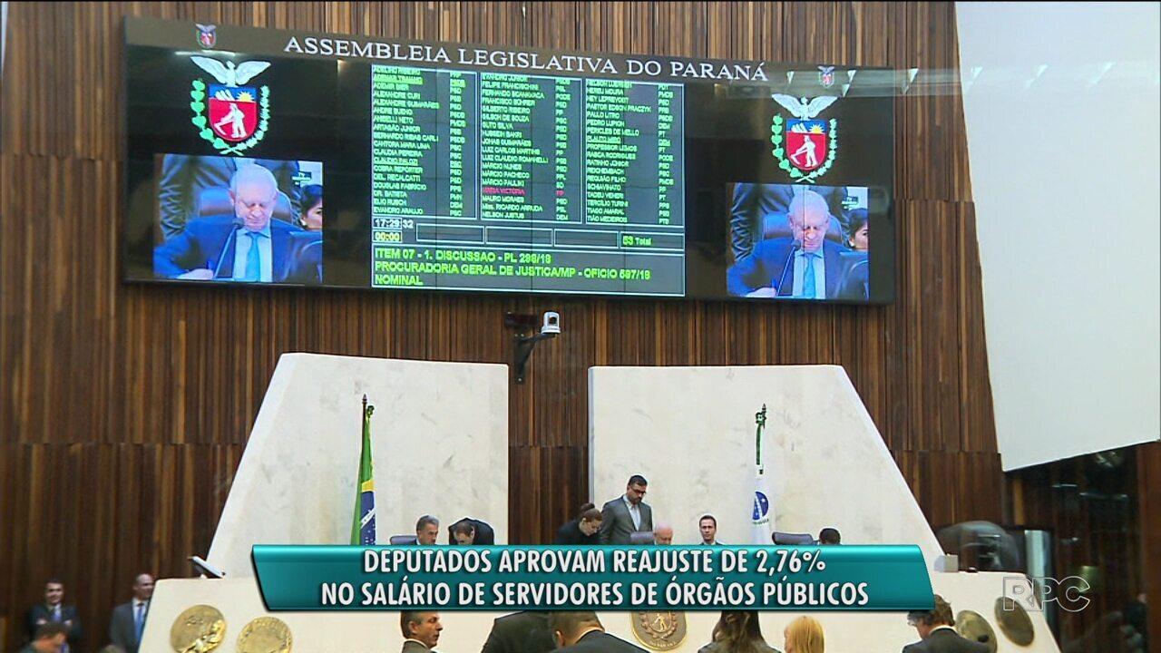 Deputados aprovam reajuste de 2,7% no salário dos servidores