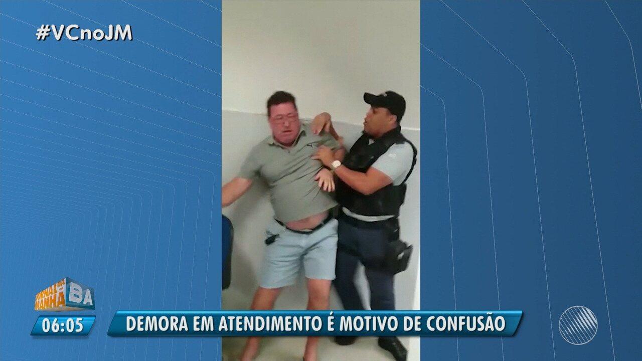 Confusão: segurança impede cliente do Banco do Brasil de ser atendido em Feira de Santana