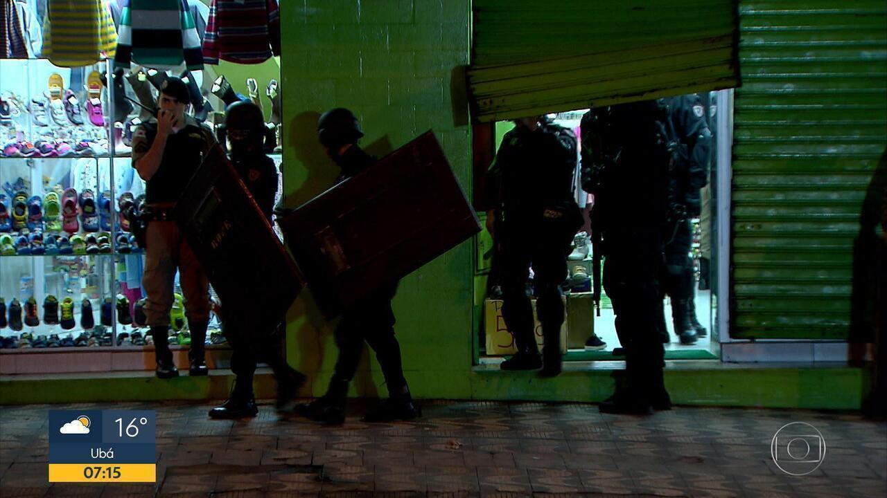Assaltante faz cinco pessoas reféns em uma loja de roupas na Savassi, em BH