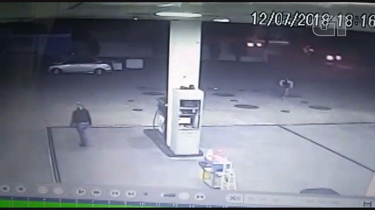 Câmera de segurança registra tentativa de assalto em posto de Itapira