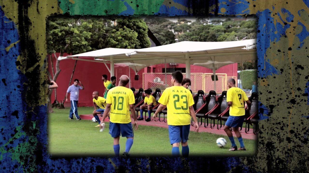 #MosaiconaCopa: em 2002, Brasil tira primeira foto oficial da Fifa com todos os jogadores