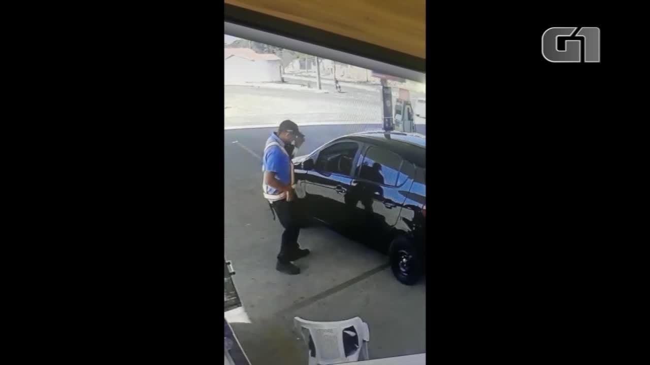 Vídeo mostra suspeito tentando realizar assalto em posto antes de ser capturado pela polícia