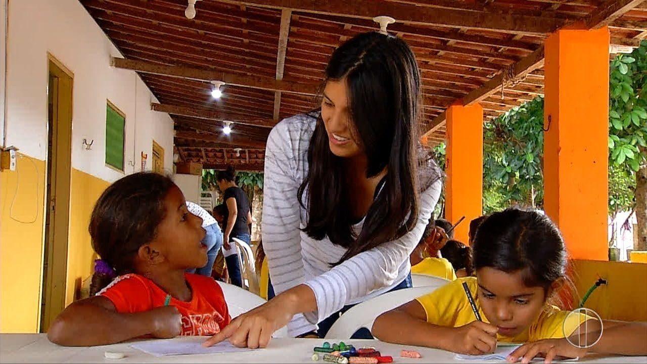 Estudantes estrangeiros fazem trabalho voluntário em comunidades de baixa renda em Natal
