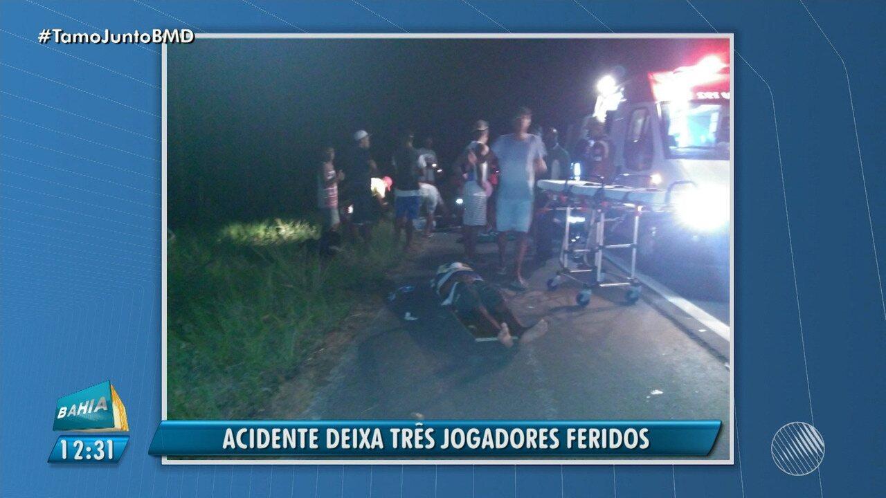 Acidente deixa três jogadores feridos em Nova Viçosa, no sul do estado