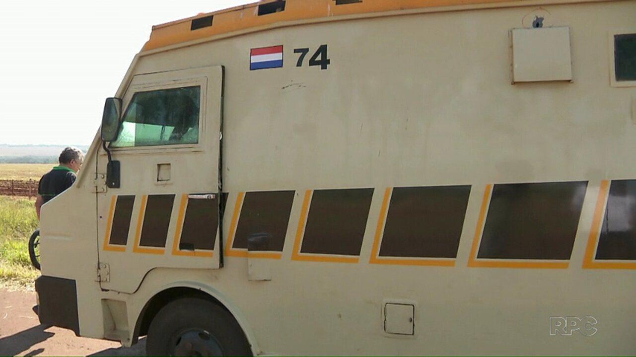 Polícia paraguaia já prendeu seis suspeitos de terem assaltado carro forte no país vizinho