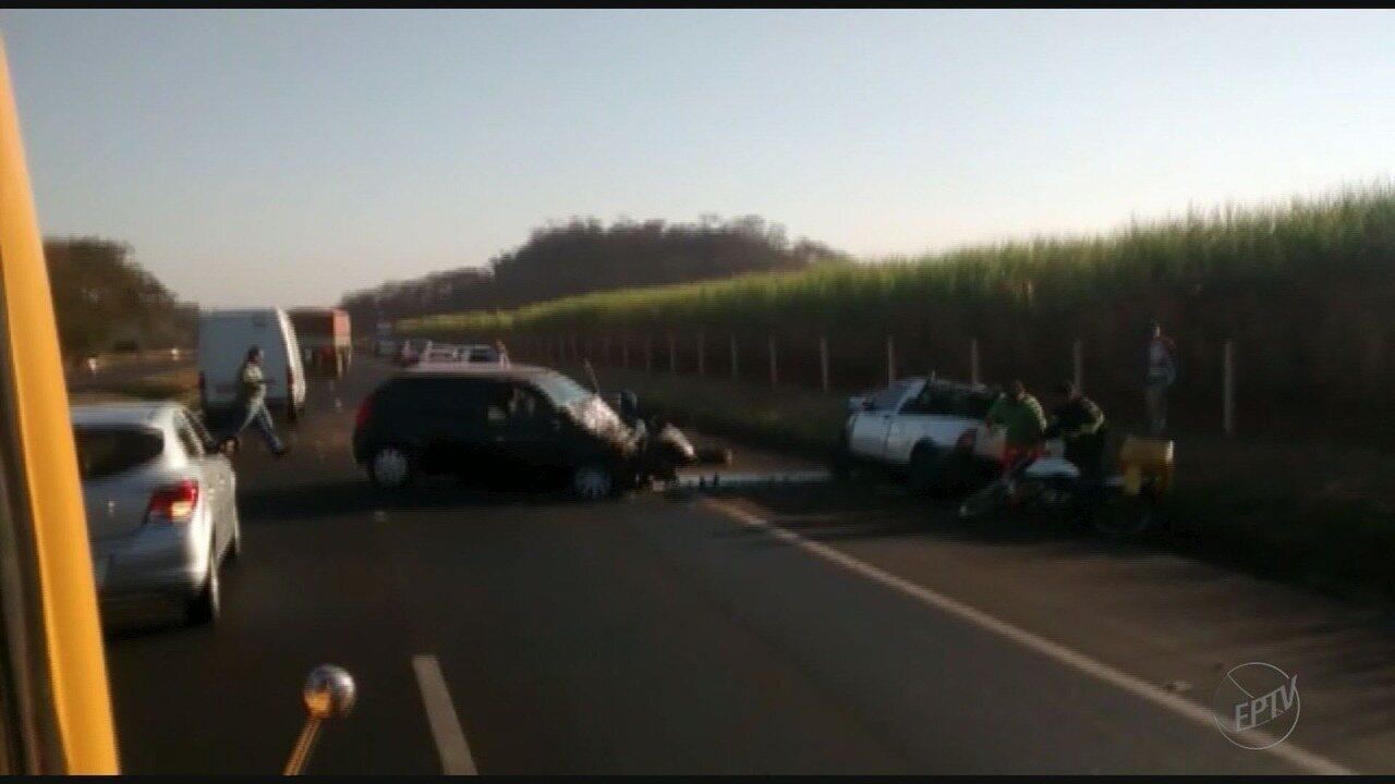 Colisão frontal deixa um morto e outro ferido em rodovia de Brodowski, SP