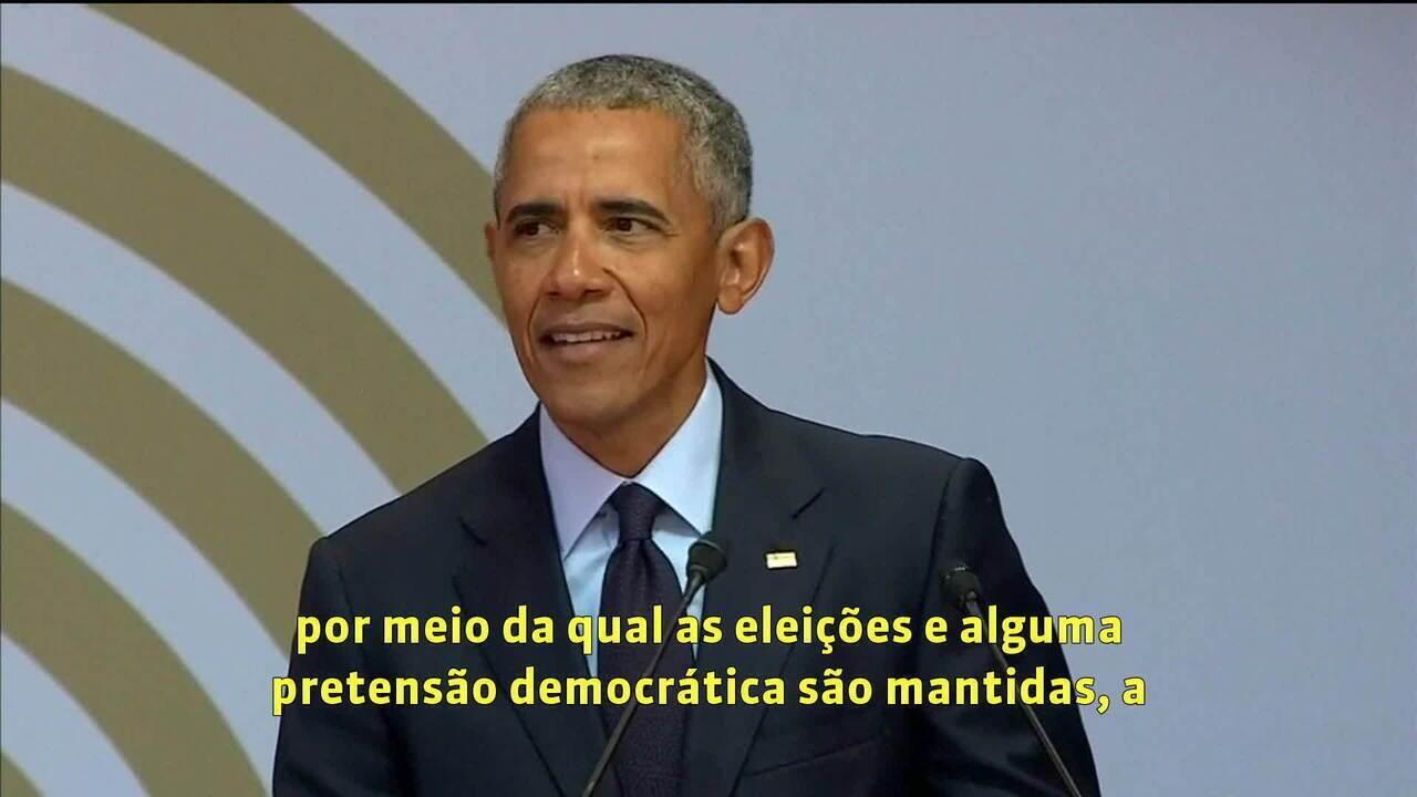 Obama faz discurso em homenagem a Nelson Mandela e não cita Trump