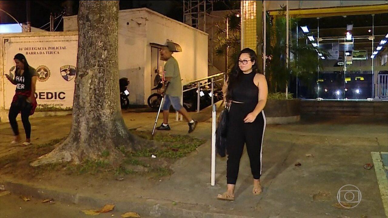 Dez pacientes do 'Doutor Bumbum' prestam depoimento à polícia do Rio