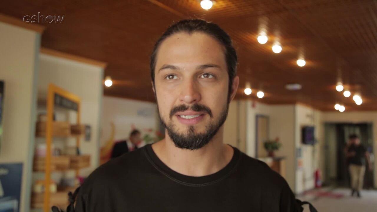 Romulo Estrela se emociona ao falar da reconciliação de Afonso e Rodolfo em Deus Salve Rei