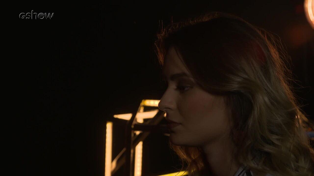 Veja a preparação de Maraia Takai instantes antes de subir ao palco do 'The Voice Brasil'