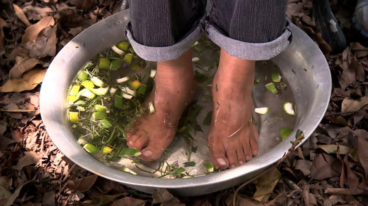 Resultado de imagem para escalda-pés para passar o frio
