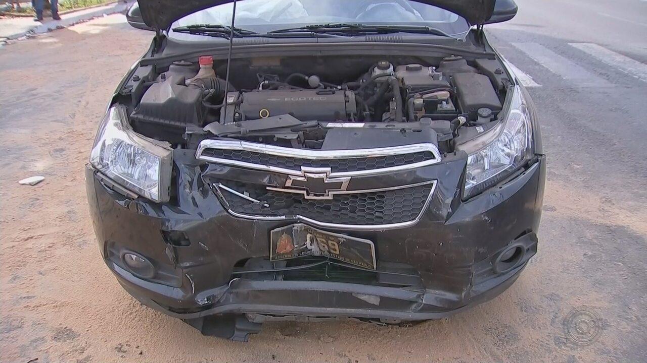 Seis pessoas ficam feridas em acidente envolvendo carro de deputado e outros dois veículos