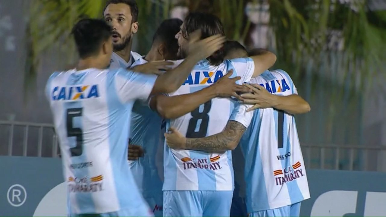 Gol do Londrina! Dagoberto cobra pênalti e abre o placar, aos 2 do 1º tempo