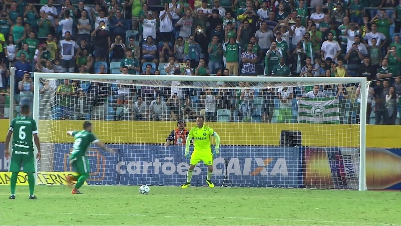Veja os melhores momentos do jogo entre Goiás e Coritiba