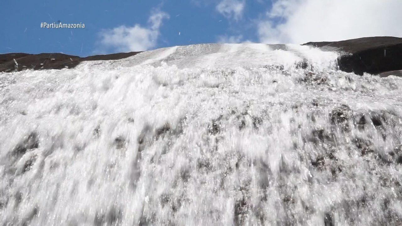 Parte 1: Moa conhece a cachoeira Véu de Noiva, no Cantá