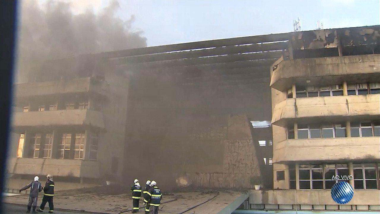 Incêndio atinge o 4° andar da ALBA; setor financeiro e RH funcionam no local