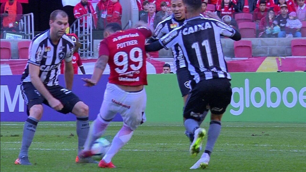 afd84295b Melhores momentos  Internacional 3 x 0 Botafogo pela 16ª rodada do  Brasileirão