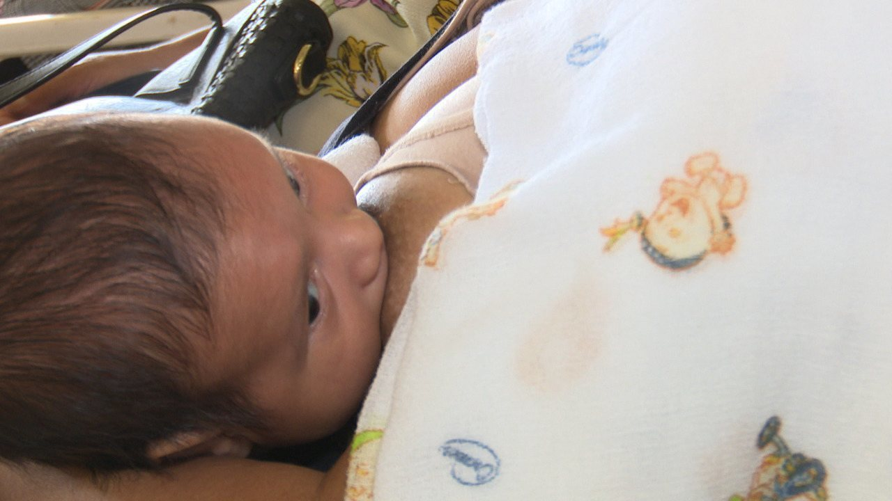 Encontro com mães e gestantes tira dúvidas sobre aleitamento materno