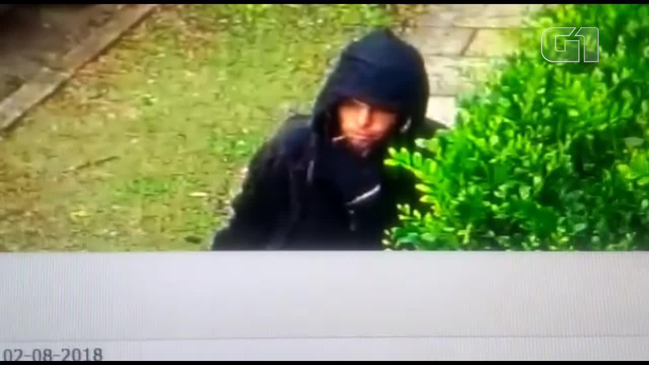 Vídeo mostra homem deixando moto de PM desaparecida em SP