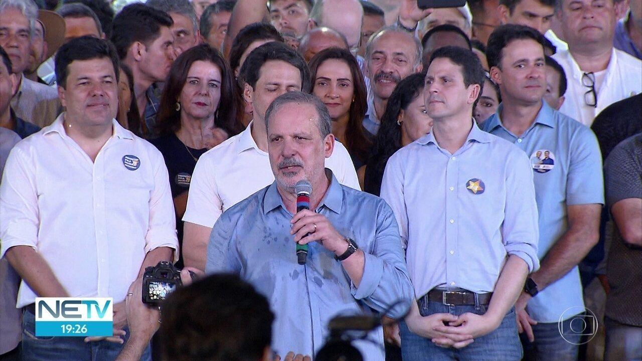 Coligação de 13 partidos lança candidatura de Armando Monteiro a governador