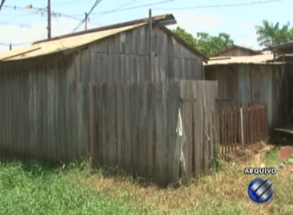 Em Altamira, familias que viviam em uma area de risco começaram a receber o seguro social
