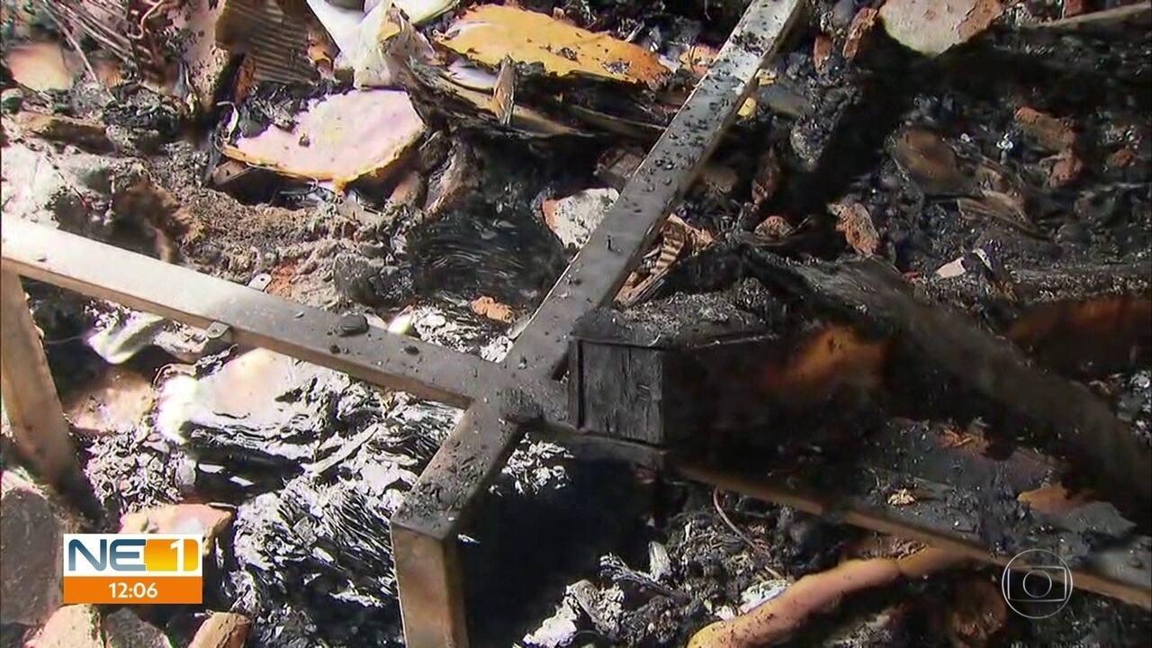 Idoso morre e homem sofre queimaduras em incêndio na Zona Oeste do Recife