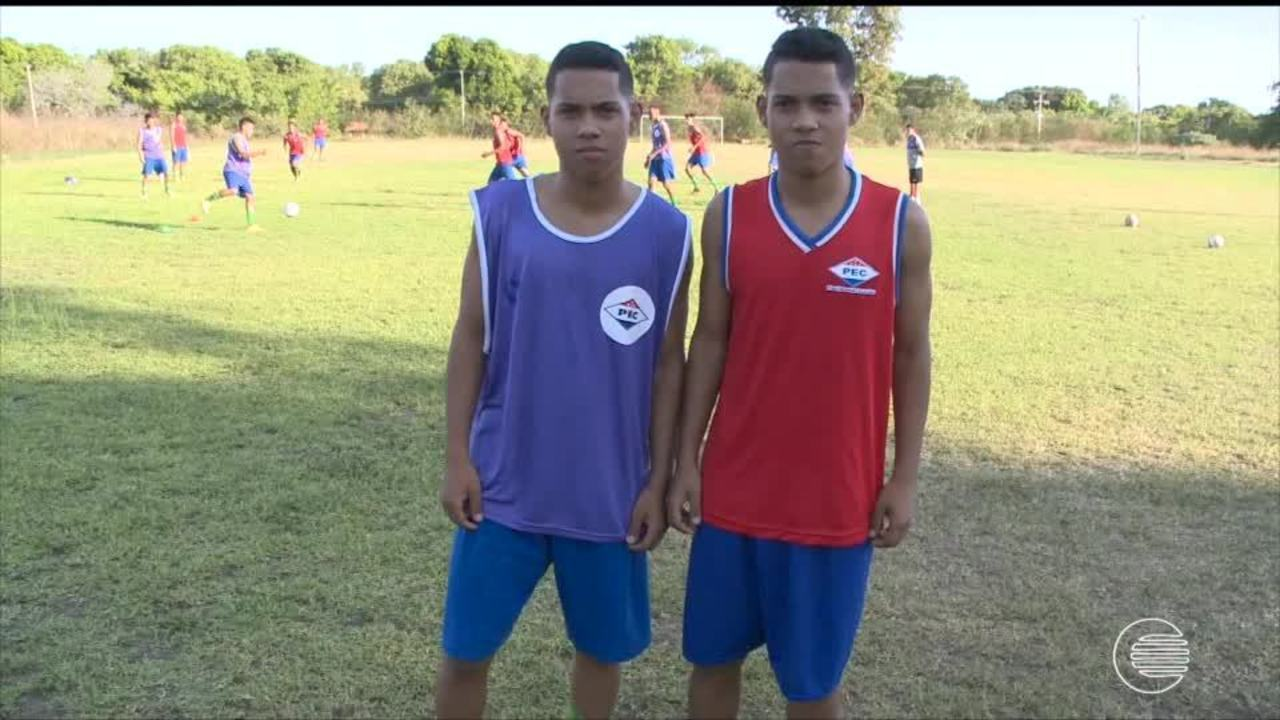 Irmãos gêmeos do Piauí se destacam e reforçam clube na busca pelo título Sub 17