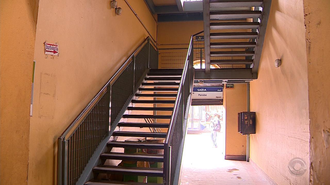 Restauração de escadas do Mercado Público de Porto Alegre começam nesta semana