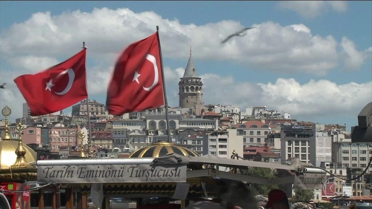 Desvalorização da moeda turca e tensão entre o país e EUA derrubam mercados financeiros