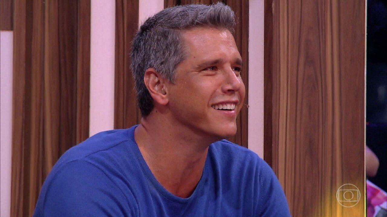 Marcio Garcia se emociona ao ver show da família