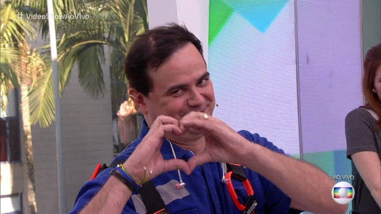 Carioca chega ao 'Vídeo Show' causando!