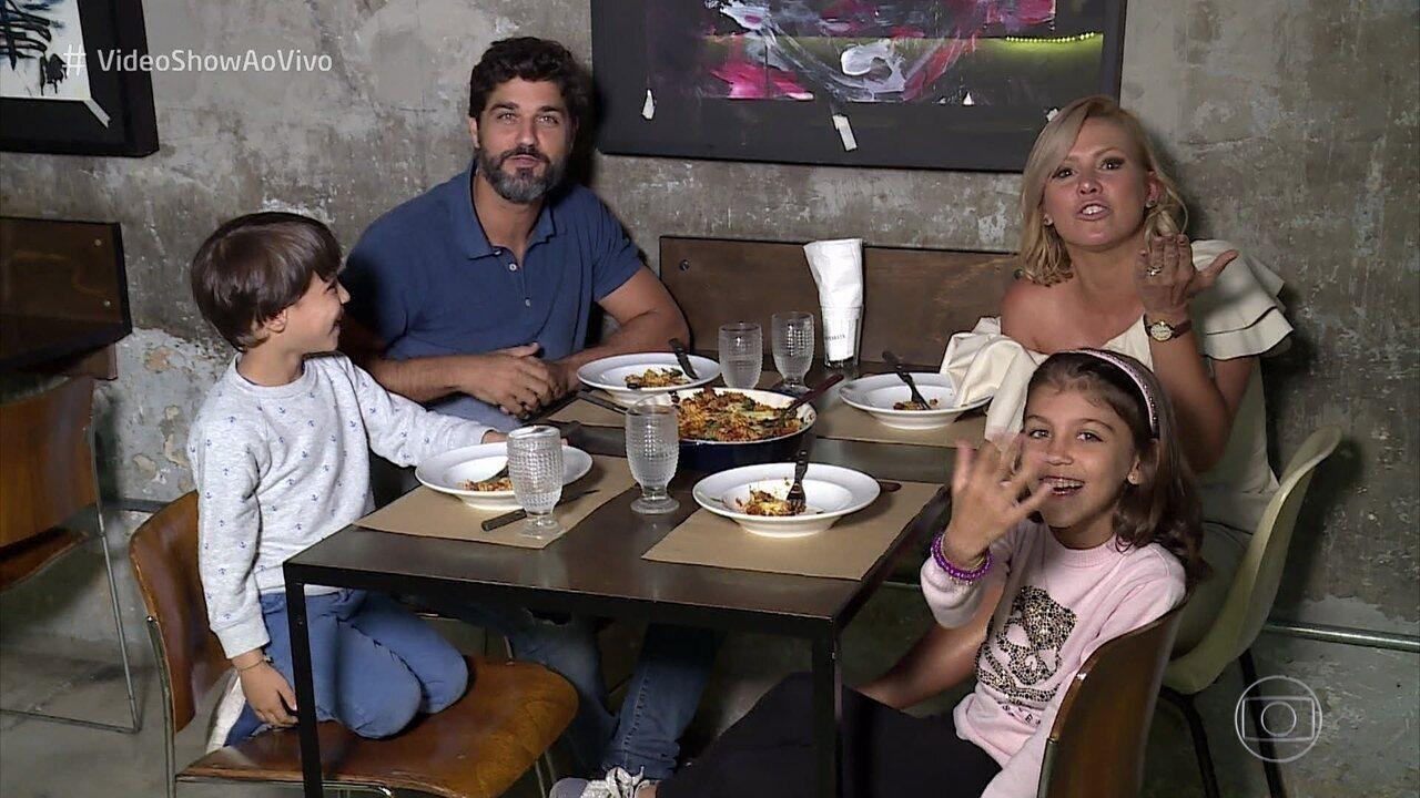 Bruno Cabrerizo apresenta seus filhos e fala da rotina em Milão