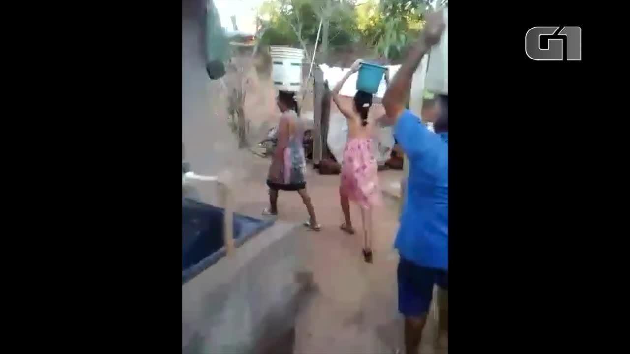 Sem abastencimento, moradores de Pium pegam água de poço artesiano