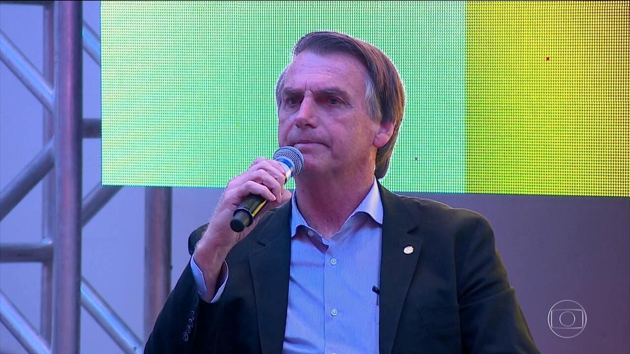 Resultado de imagem para Bolsonaro diz que atos do MST têm de ser tratados como 'terrorismo'